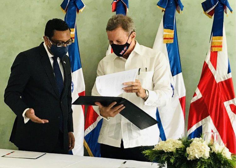 [:es]El acuerdo comercial entre Cariforo y Londres entrará en vigor antes de 2021[:]
