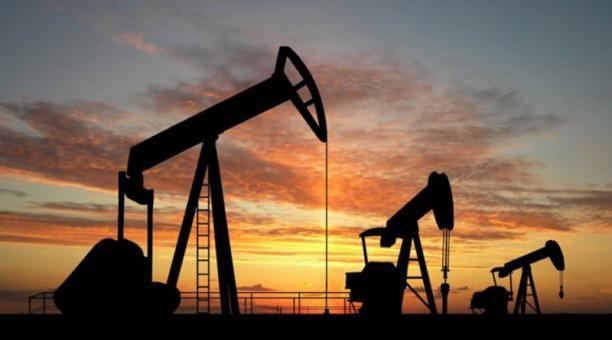 [:es]Petróleo de Texas baja un 1.98% y cierra en US$47.02, por nueva cepa[:]