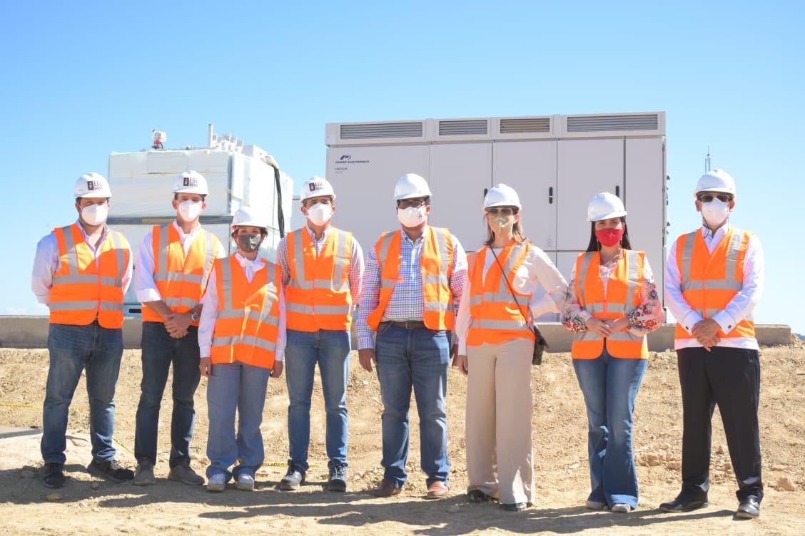 Funcionarios Superintendencia  Electricidad visitan Parque Solar Girasol de EGEHaina