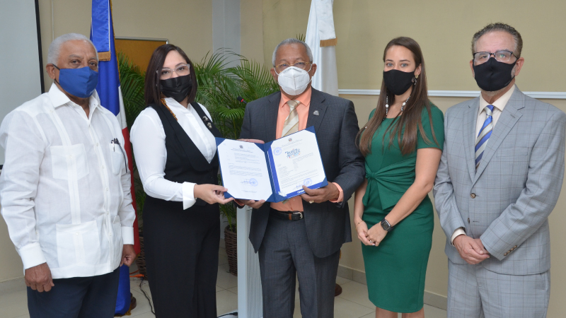 Obtiene ADOEXPO registro primera marca colectiva aguacate criollo comercializarse EE.UU.