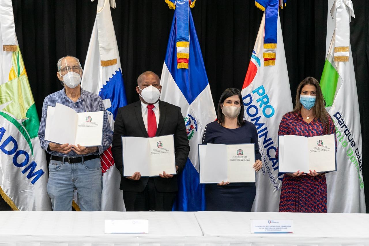 Firman acuerdo promover exportaciones MIPYMES