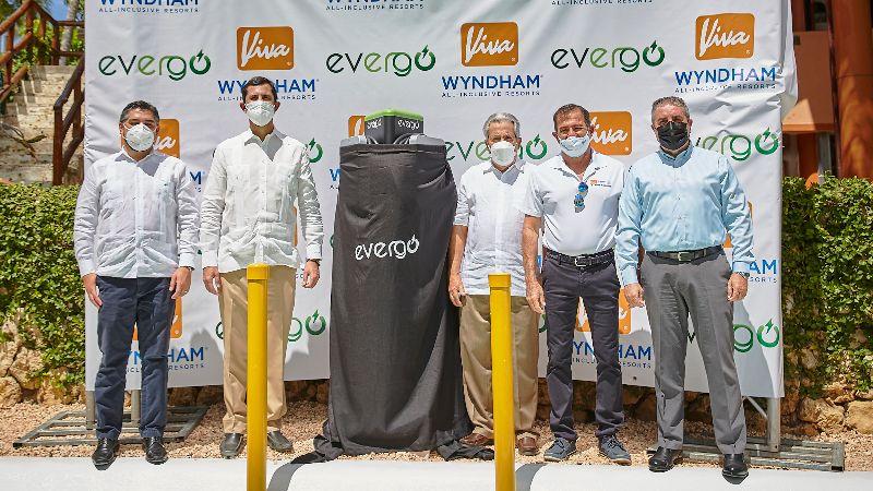 Viva Wyndham incorpora estaciones para vehículos eléctricos en Bayahíbe