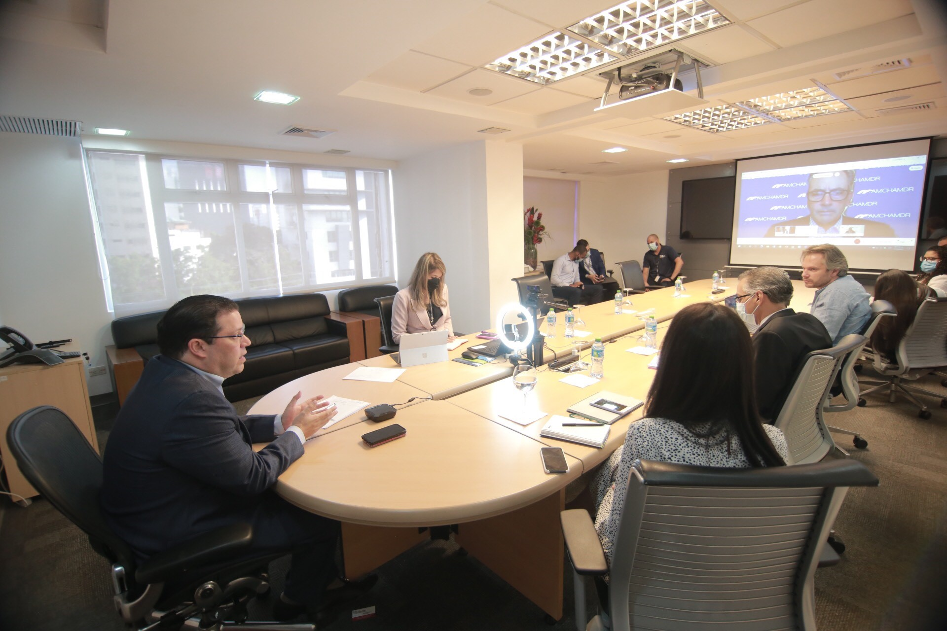 Director Aduanas asegura despacho 24 horas acercará RD Hub Logístico Regional