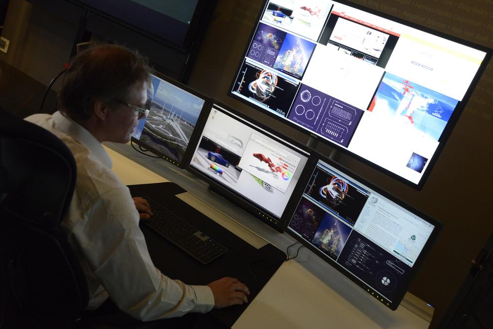 ARTICULO: Reducción del desorden visual-de varios monitores a un espacio de trabajo unificado