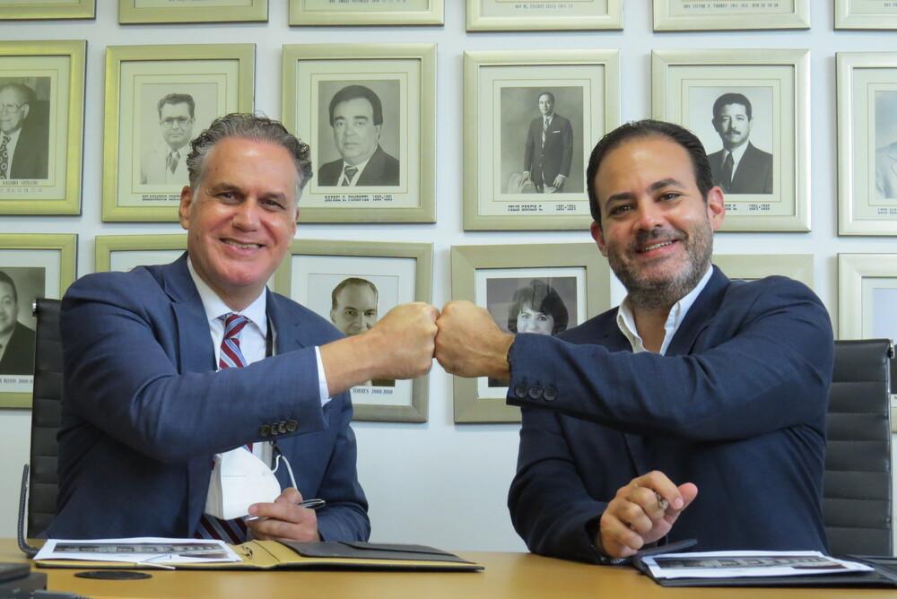 Firman Centro Formación Empresarial Cámara Santiago y Cambridge International Consulting acuerdo Interinstitucional