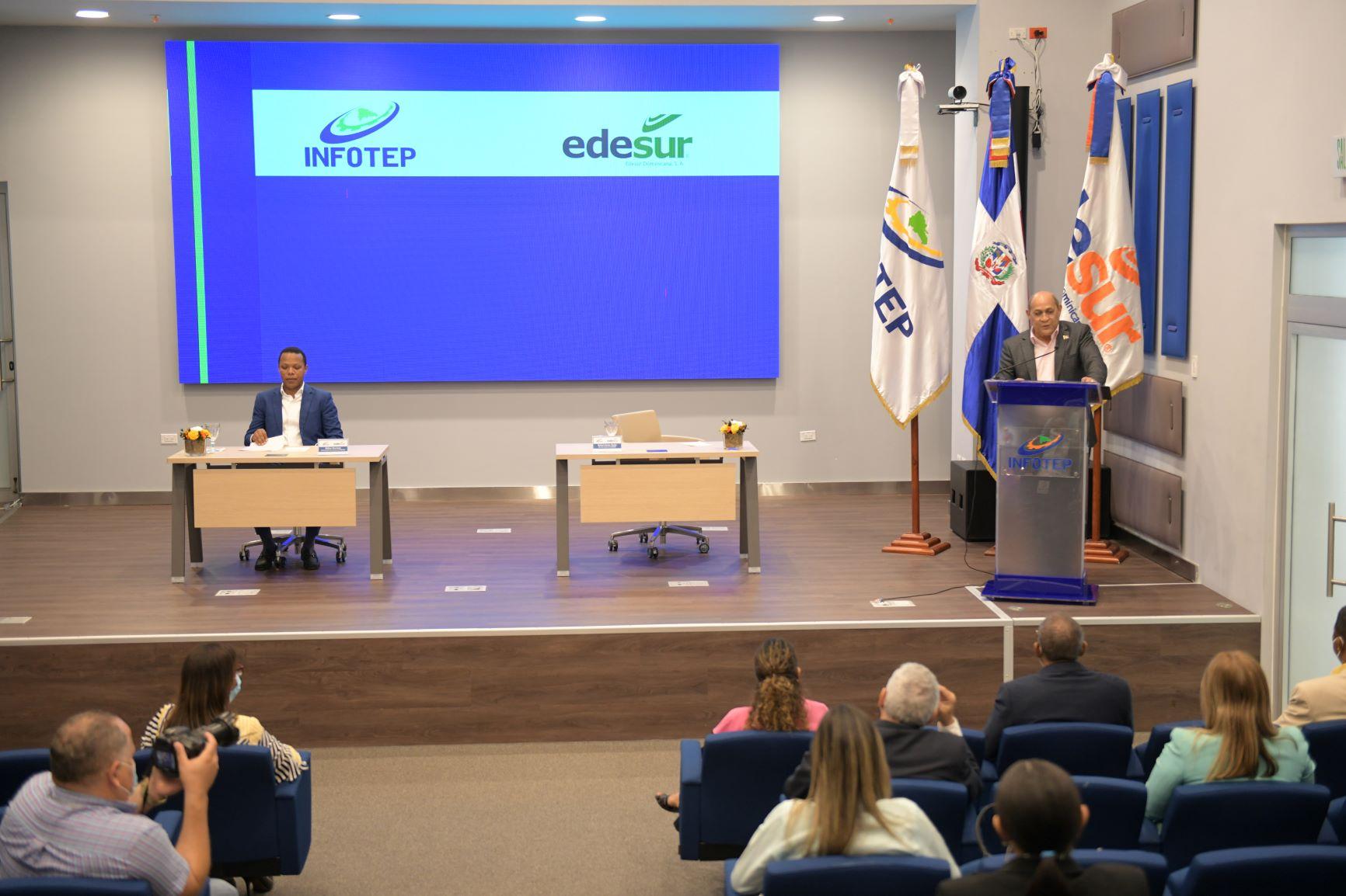 "Inician INFOTEP y Edesur modalidad pasantía en programa ""Electricista Comunitario"""