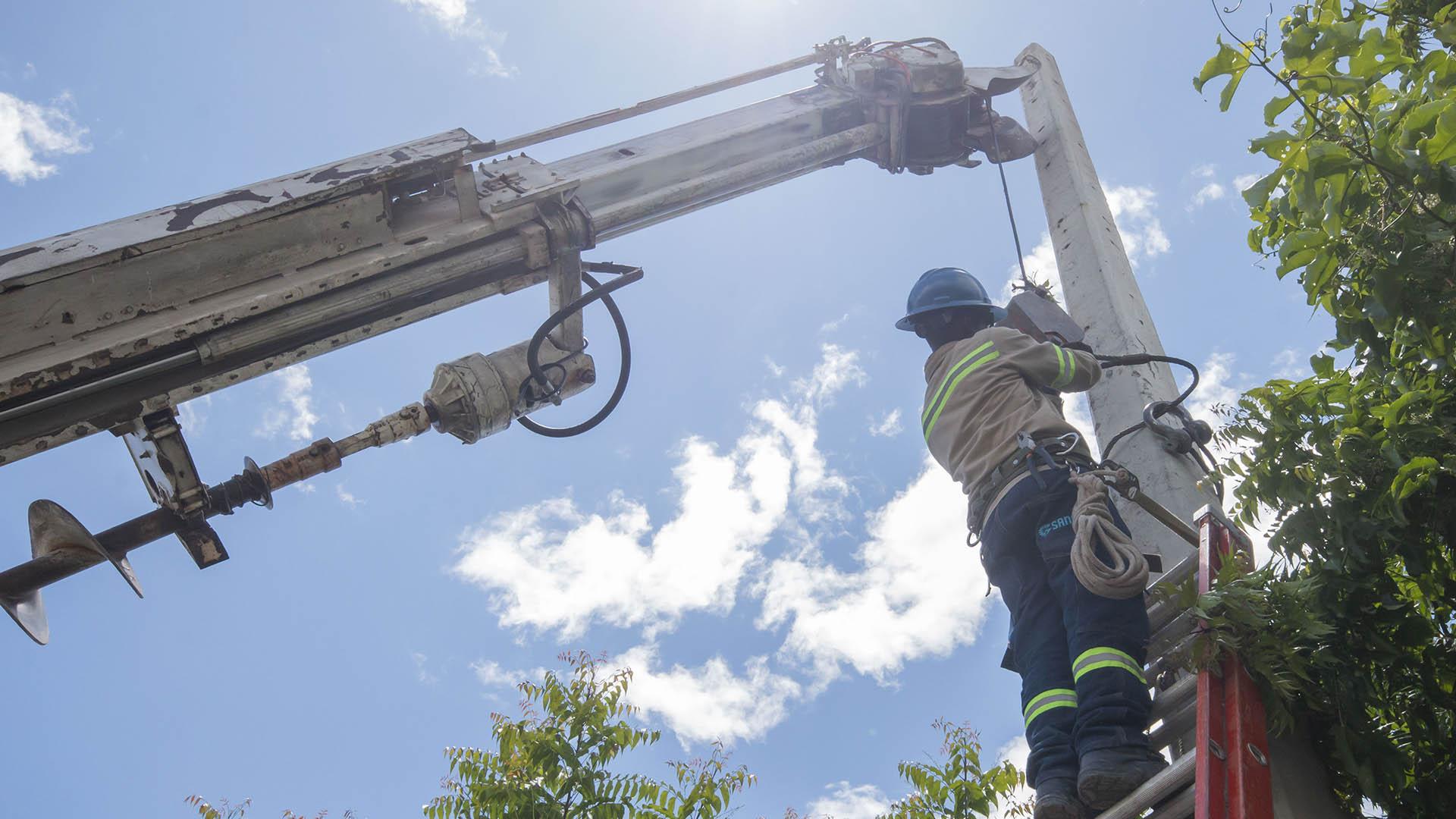 Edesur beneficia a 2,000 familias de San Juan con proyecto de redes