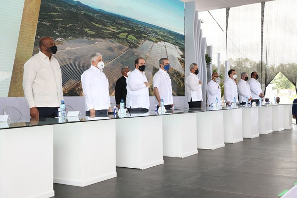 Ministro MEM afirma RD se encamina a masificar producción energía limpia