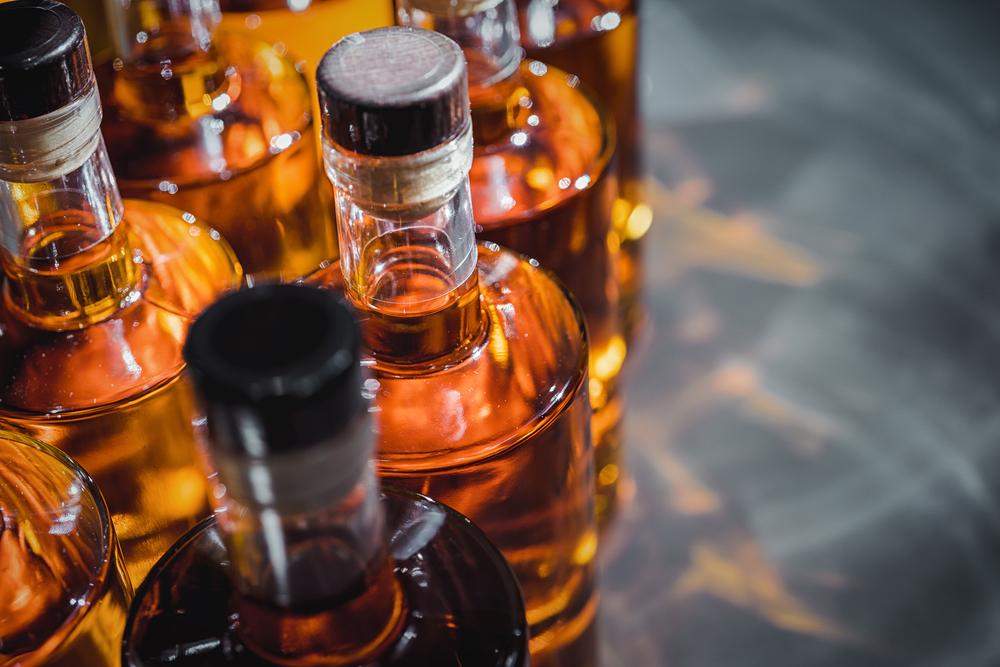 Clave frenar comercio ilícito alcohol puede estar en alianzas público-privadas