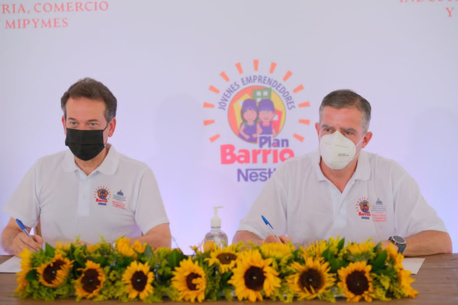 Nestlé ® y MICM capacitarán a participantes del programa Plan Barrio®