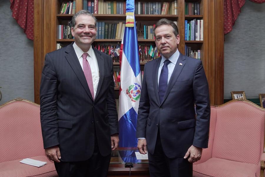 Bisonó plantea República Dominicana es socio clave para Estados Unidos en la dinamización de la economía postpandemia
